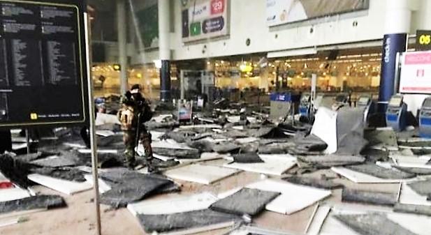 - Une-panique-folle-gagne-Bruxelles-explosions-bruxelles-laeroport-et-dans-le-metro