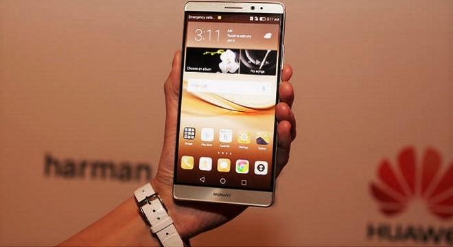 - Huawei-lance-le-Club-Media-Huawei-en-défiant-de-front-la-concurrence-Huawei-Mate-8-a