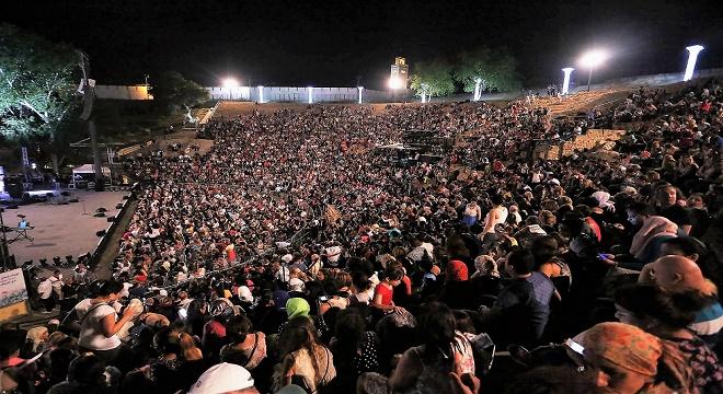 - 52e-Festival-International-de-Carthage-Najwa-Karam-mit-le-feu-aux-poudres-pour-la-gloire-éternelle-de-Carthage-3