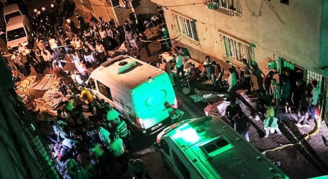 - Attentat-à-Gaziantep-en-Turquie-lors-d'un-mariage-30-morts-et-100-blessés-Erdogan-pointe-du-doigt-l'État-Islamique-3
