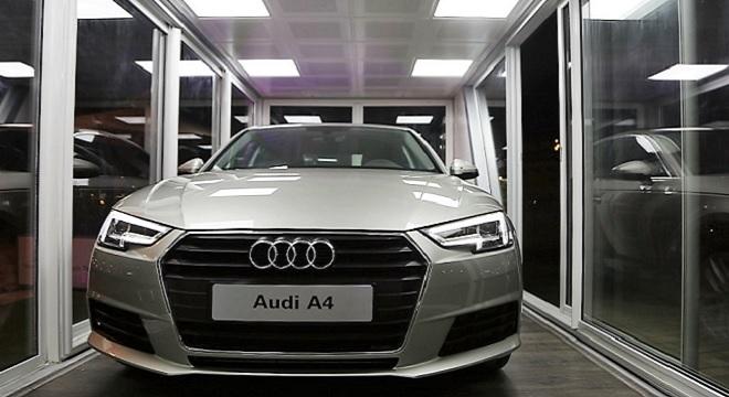 - Audi-On-Tour-2016-pour-la-1ère-fois-en-Afrique-un-Terminal-mobile-expose-l'Audi-A4-à-la-Marina-de-Yasmine-Hammamet-3