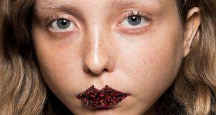 Des lèvres bijoux, une mise en beauté audacieuse et précieuse dévoilée par Gucci
