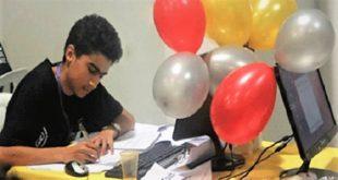 Expert en programmation, le jeune Ahmed Bouhoula a été admis à l'ENS et à l'École Polytechnique (l'X)